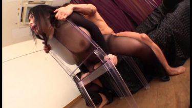 【葉月美音】人妻がデカ尻とJカップの爆乳を締め付ける全身タイツ姿で巨尻を揺らしながら着衣セックス